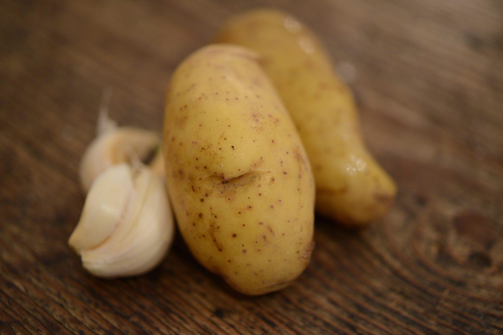 skrelte poteter i vann til dagen etter